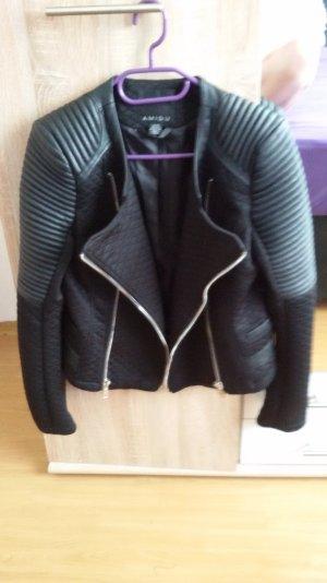 Schwarze Biker Jacke