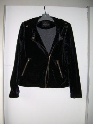 Review Biker Jacket black