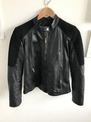 Schwarze Bikerjacke von Uterqüe