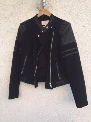 Schwarze Bikerjacke von ZARA TRF Größe M neuwertig, nie getragen