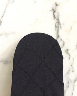 Schwarze blickdichte Strumpfhose mit Karomuster