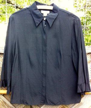 Schwarze Bluse, B.C.
