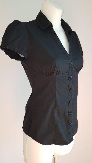Schwarze Bluse bügelfrei