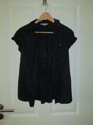 schwarze Bluse, hinten etwas enger