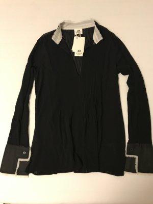 Schwarze Bluse mit Biesen