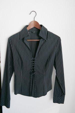 Schwarze Bluse mit feinen weissen Streifen