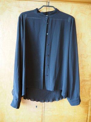 Schwarze Bluse mit Plisee