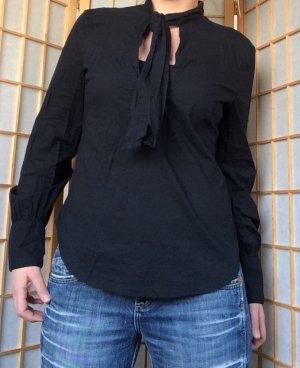 *Schwarze Bluse mit Schleife von H&M*