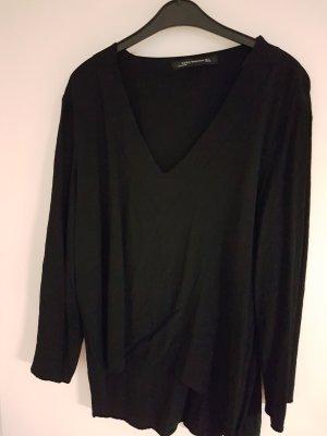 Schwarze Bluse mit V-Ausschnitt