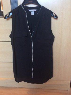Schwarze Bluse mit Verzierung