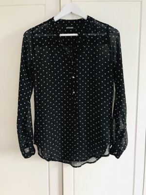 Schwarze Bluse mit weißen Sternchen