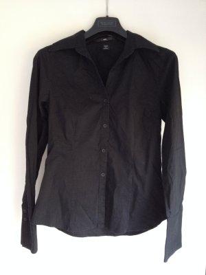 Schwarze Bluse taillierter Schnitt