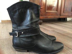 Schwarze Booties
