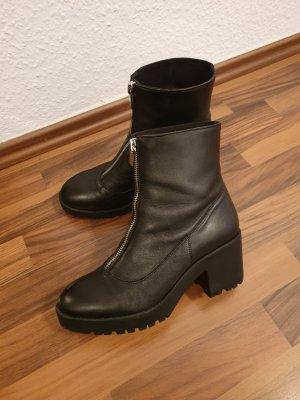 Stradivarius Ankle Boots black