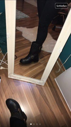 Schwarze Boots (classic)