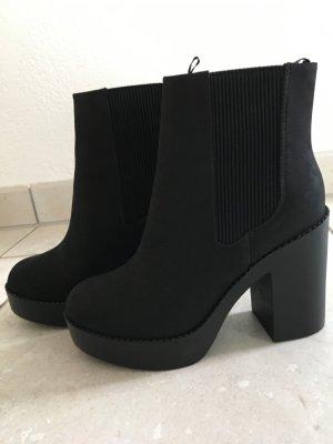 Schwarze boots in 38