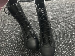 Low boot noir
