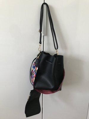 Schwarze Bucket Bag