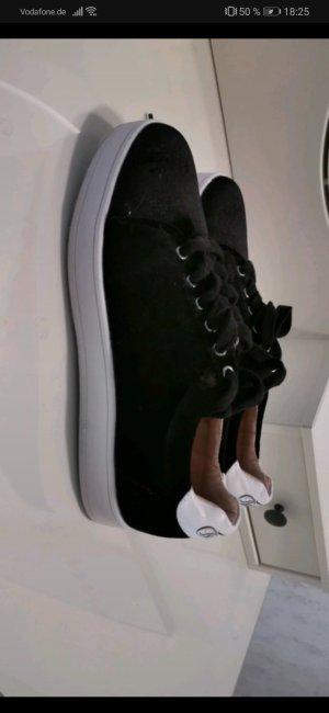 Schwarze Buffalo sneaker samt
