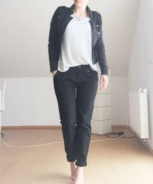 Schwarze Bundfaltenhose/ Chino