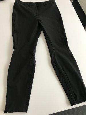 Schwarze Cambiohose Gr 40 mit raffinierten Nähten