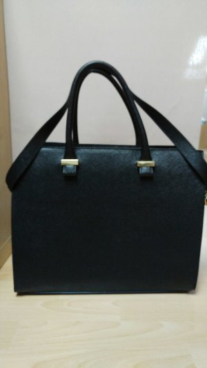 Schwarze Carry-on bag