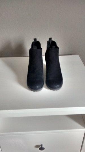 Schwarze Catwalk Stiefelette