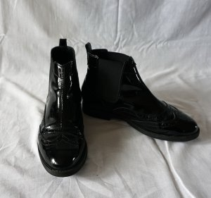 schwarze Chelsea Boots aus Lackleder von Asos