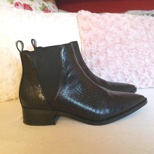 Schwarze Chelsea Boots mit Spitze