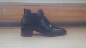 schwarze Chelsea Boots von Andrea Puccini