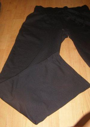 schwarze Chill- oder Sporthose 34-38
