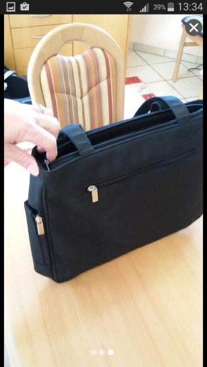 schwarze Citytasche mit viel Platz