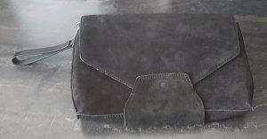 Schwarze Clutch aus Leder von Zign in Used-Optik