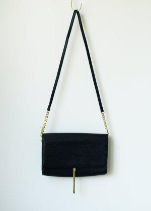 Schwarze Clutch mit goldener Metalquaste Quaste H&M Umhängetasche Bag Tasche Crossbody Designer