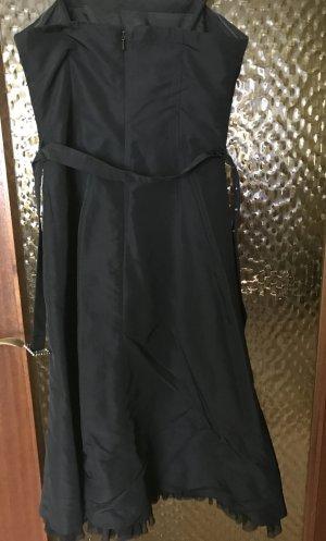 Schwarze Cocktailkleid