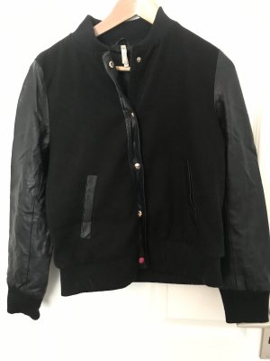 College Jacket black