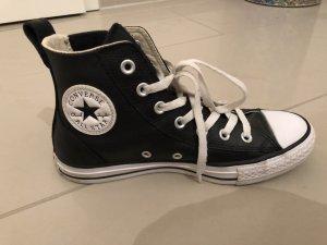 Schwarze Converse Allstars
