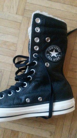 schwarze Converse Lederchucks