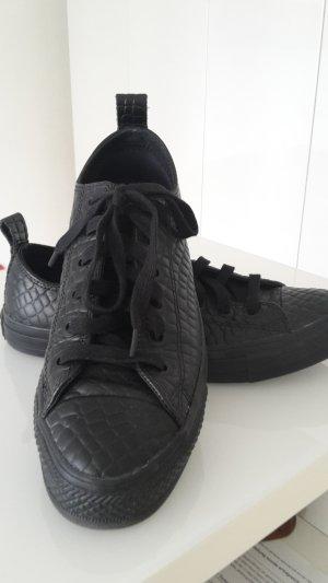 schwarze converse sneaker, neueertig