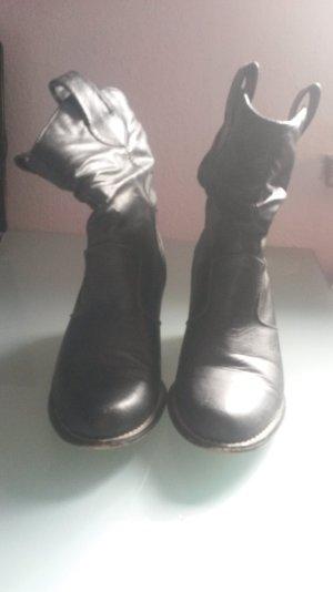 schwarze Cowboy-Booties