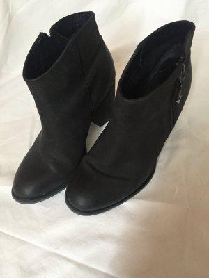 Schwarze Cowboy-Stiefel von ALDO