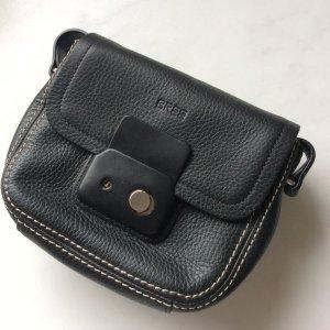 Schwarze Crossbody Bag von Bree // Passendes Portmonee auch vorhanden