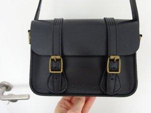 schwarze Crossbody Bag von Dr Martens