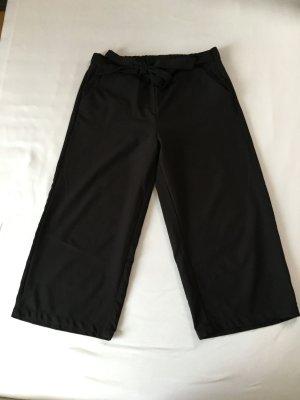schwarze Culotte Hose
