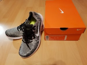 Schwarze Damen Nike Schuhe
