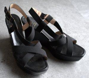 Schwarze Damen Sandaletten mit Keilabsatz und Plateau von BAGATT