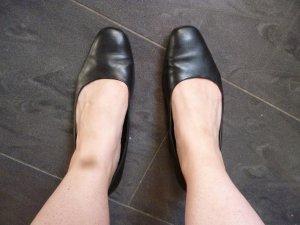 Schwarze Damen-Schuhe aus Leder in Größe 40