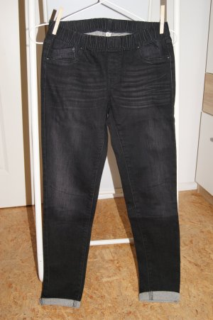 Schwarze Destroyed Jeggings