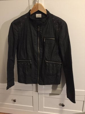 Schwarze dünne Jacke von ZARA