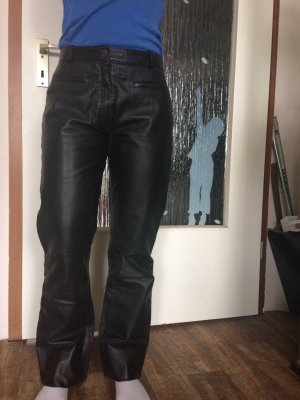 Schwarze Echt-Lederhose
